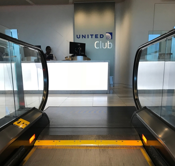 Lounge Review: United Club O'Hare Terminal 2 | Miles for places