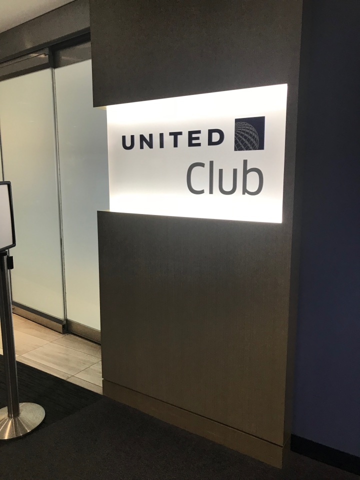Lounge Review: United Club O'Hare Terminal2